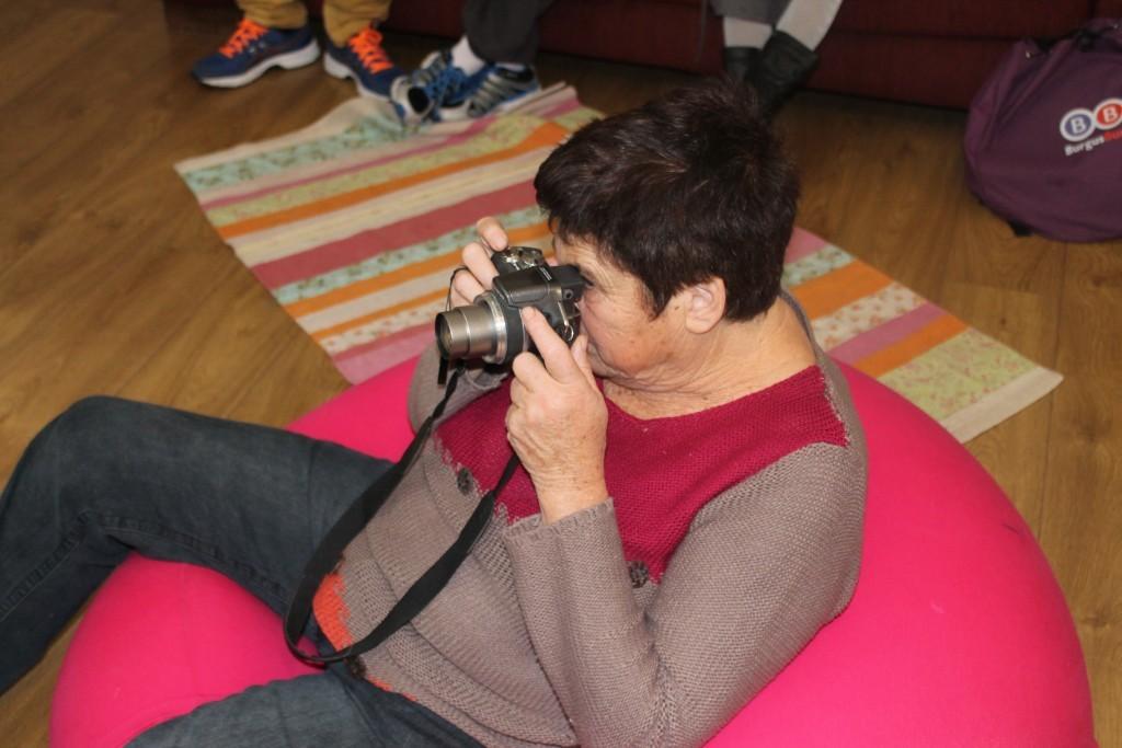 מצלמת ומצלמת - המתעדת המשפחתית