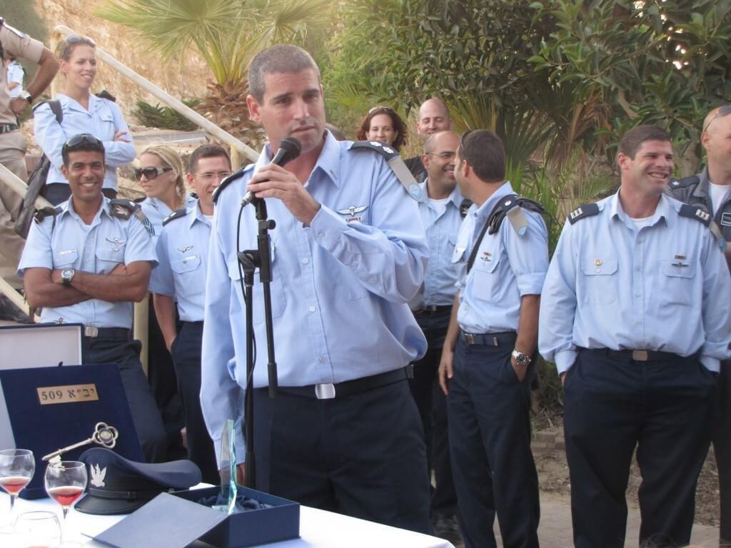 תמונה של זוהר כרמי בהחלפת פיקוד 2010