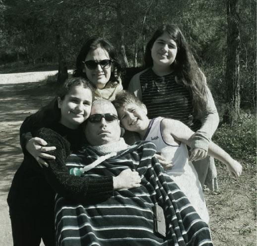 בני משפחת כרמי